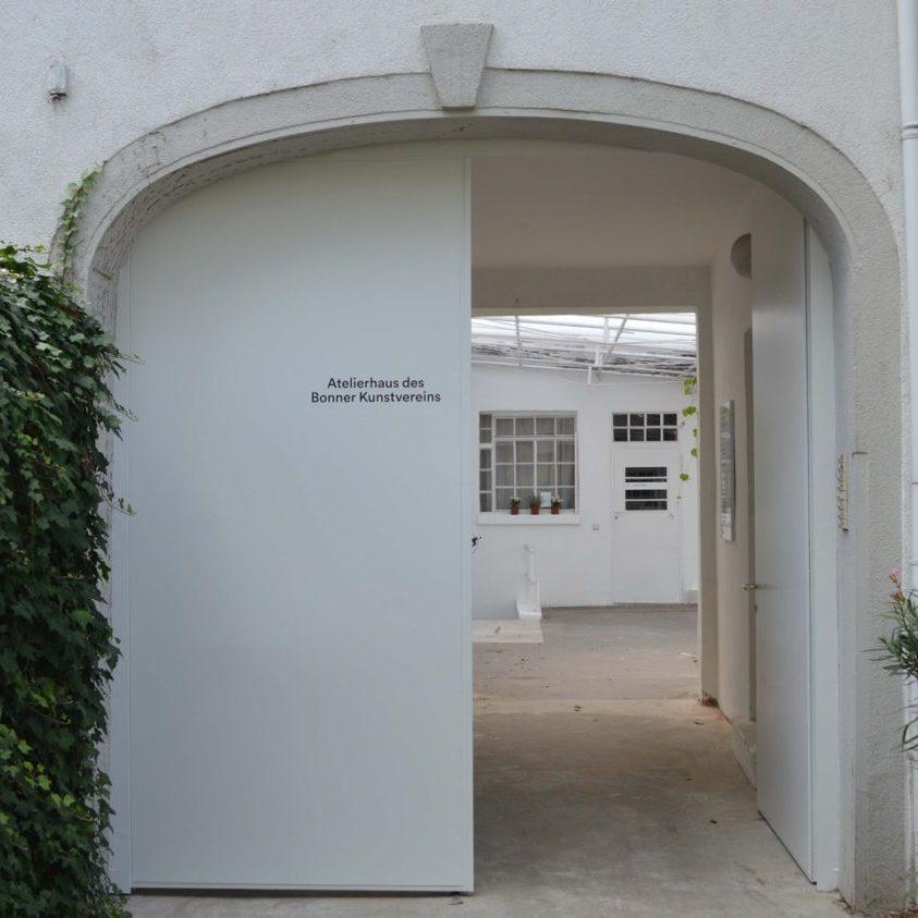 Atelierhaus-Door